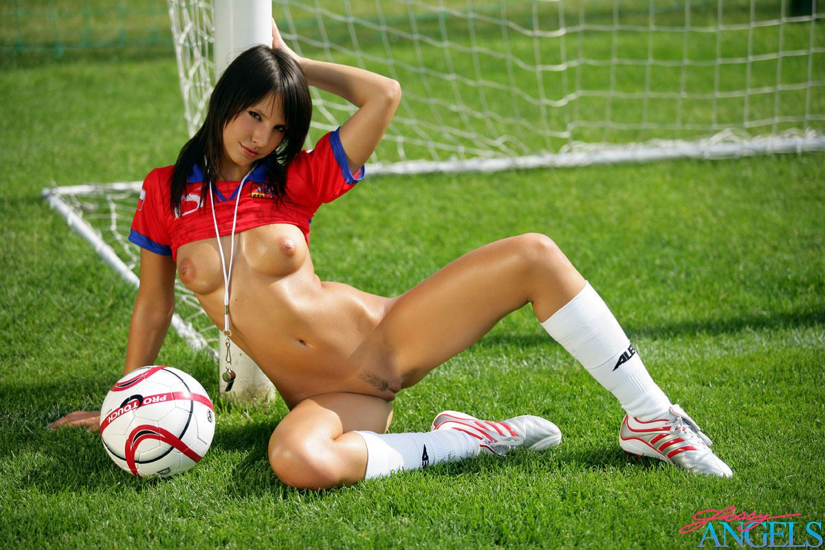sexy nude blonde soccer player